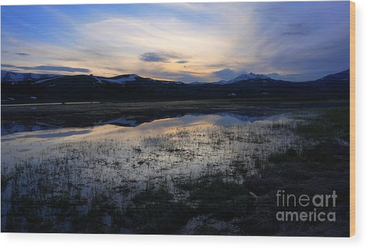 Sunset At A Lake Near Mammoth In Yellowstone Wood Print