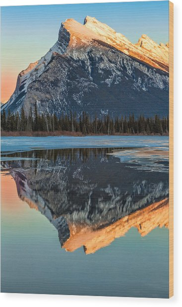 Sunset At Rundle Mountain Wood Print