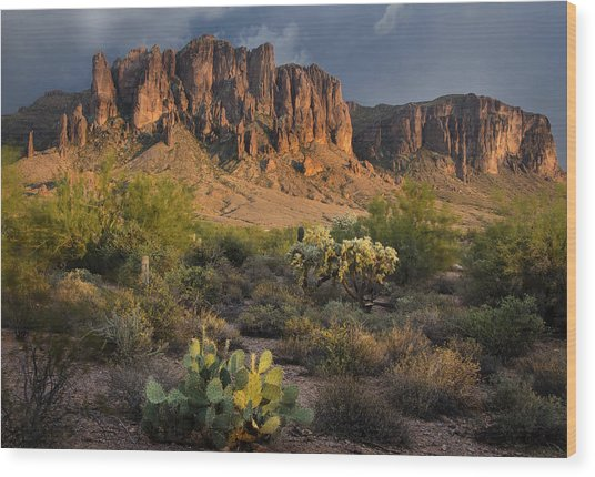 Sunset At The Superstition Mountains Wood Print