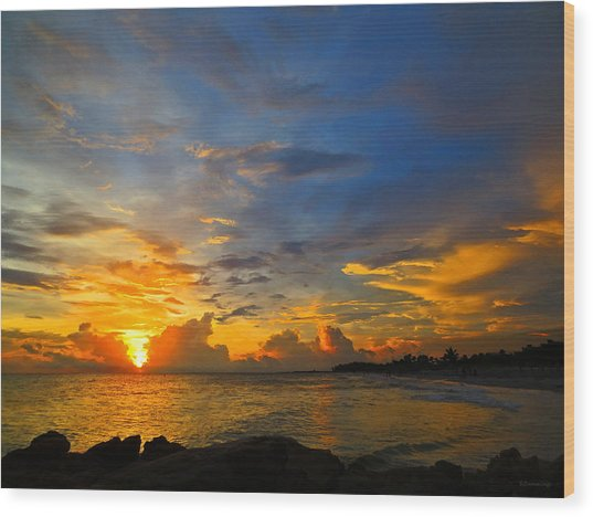 Sunset In Paradise - Beach Photography By Sharon Cummings Wood Print