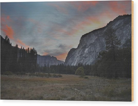 Sunset In Yosemite Valley Wood Print