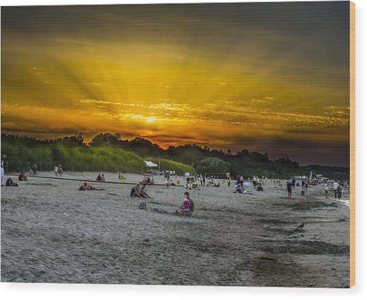 Sunset On The Crowded Beach Wood Print by Adam Budziarek