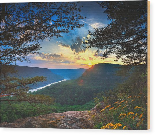 Sunset Over Edwards Point Wood Print