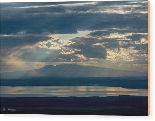 Sunset Rays Over Mount Susitna Wood Print