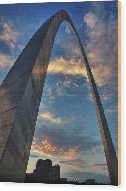 Wood Print featuring the photograph Sunset Under The Gateway Arch 001 by Lance Vaughn
