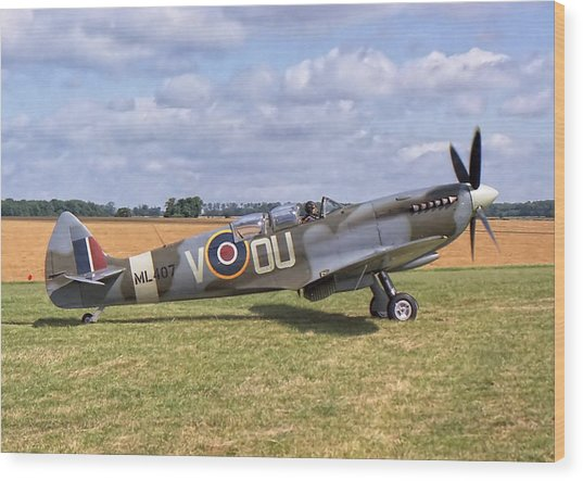 Supermarine Spitfire T9 Wood Print