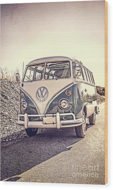 Surfer's Vintage Vw Samba Bus At The Beach Wood Print