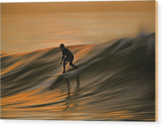 Surfing Liquid Copper C6j2144 Wood Print