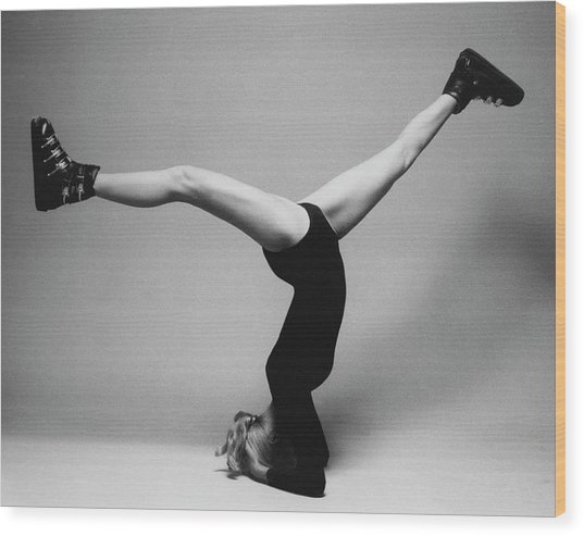 Suzy Chaffee Standing On Her Head Wood Print by Isi Veleris