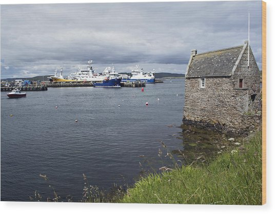 Symbister Harbour Wood Print by Steve Watson