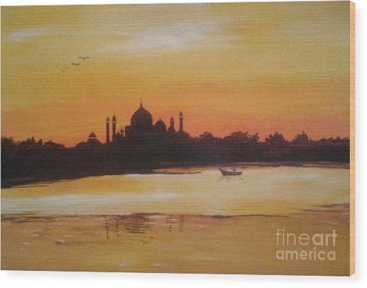 taj Mahal in the morning Wood Print