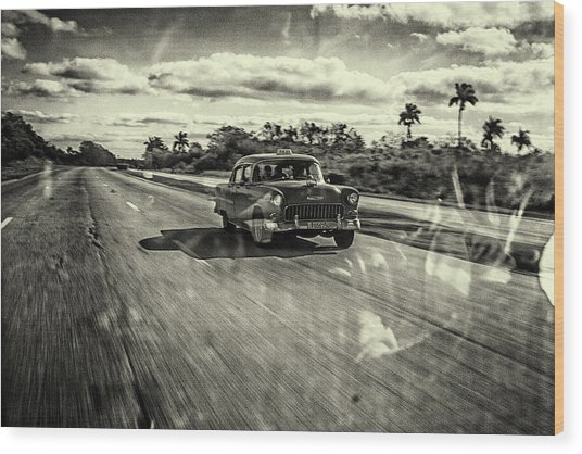 Taxi Havana Wood Print