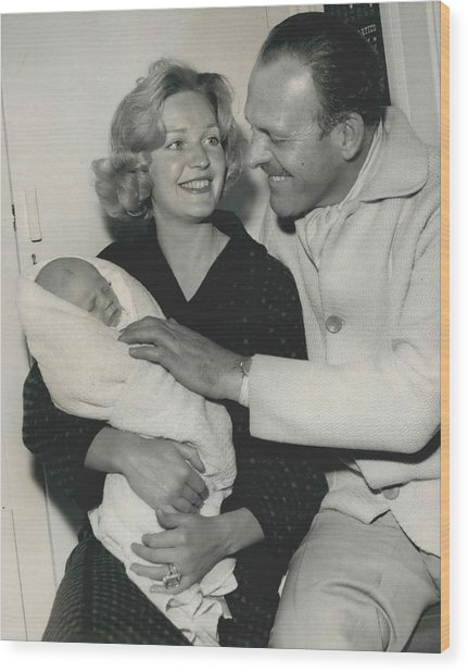 Terry Thomas Flies Here To See His Baby Wood Print by Retro Images Archive