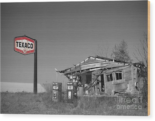 Texaco Country Store With Sign Wood Print