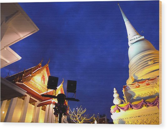 Thai Temple Sunset Wood Print