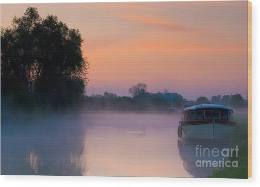 River Thames At Dawn  Wood Print
