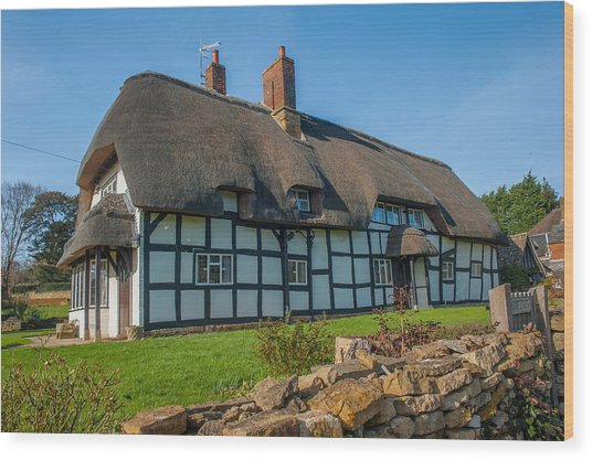 Thatched Cottage Ashton Under Hill Worcestershire Wood Print by David Ross