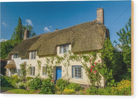 Thatched Cottage In Dunster Somerset Wood Print by David Ross