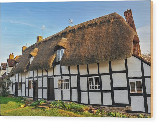 Thatched Cottage Welford On Avon Wood Print by David Ross