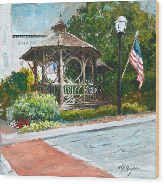 The Bandstand In Triangle Park Chagrin Falls Wood Print