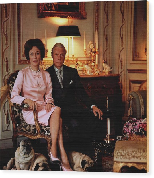 The Duke And Duchess Of Windsor In Their Paris Wood Print