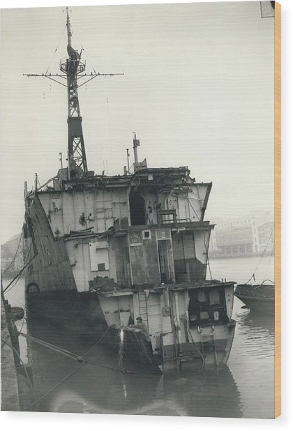 The End Of A Brave Little Ship. H.m. S. Amethyst In Wood Print by Retro Images Archive