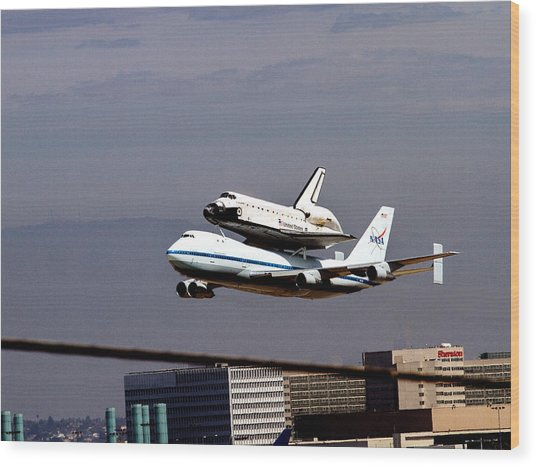 The Endeavor And Her 747 Final Landing At Lax Wood Print