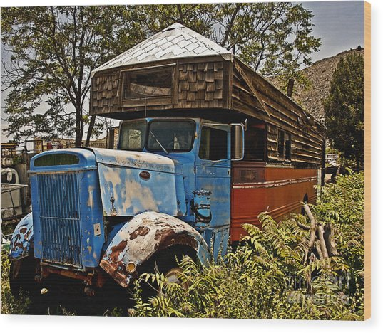 The House That Peterbilt Wood Print