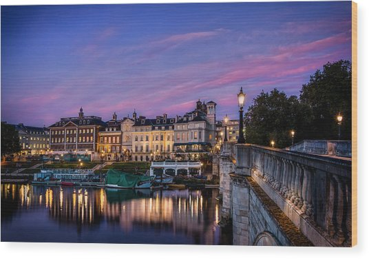 The Iconic Richmond By The River Wood Print by Leigh Cousins