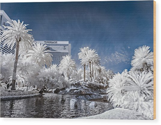The Mirage In Infrared 1 Wood Print