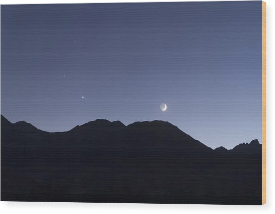 The Moon And Venus Over The Sierras Wood Print