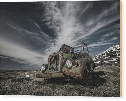 The Old Russian Jeep Wood Print