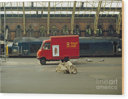 The Old St. Pancras Station Wood Print by David Davies