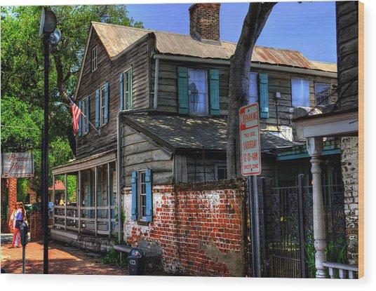 The Pirates House In Savannah Georgia Wood Print