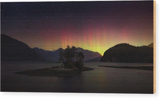 The Return Of The Aurora Borealis Wood Print