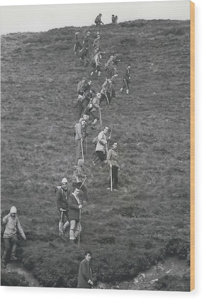 The Search For Bodies On The Moors Goes On Wood Print by Retro Images Archive
