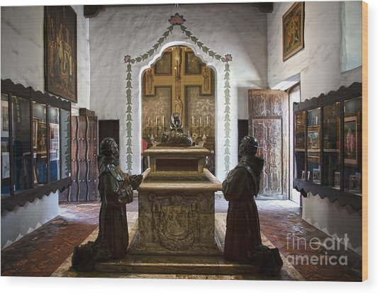 The Serra Cenotaph In Carmel Mission Wood Print