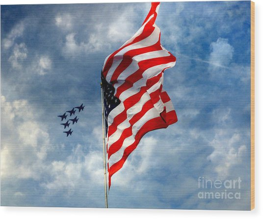The Star Spangled Banner Yet Waves Wood Print