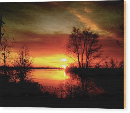 The Sunset Amherstburg On Wood Print by Pretchill Smith