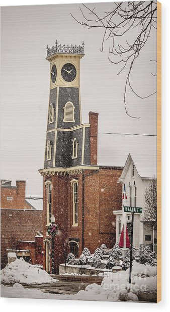 The Town Clock In December Wood Print