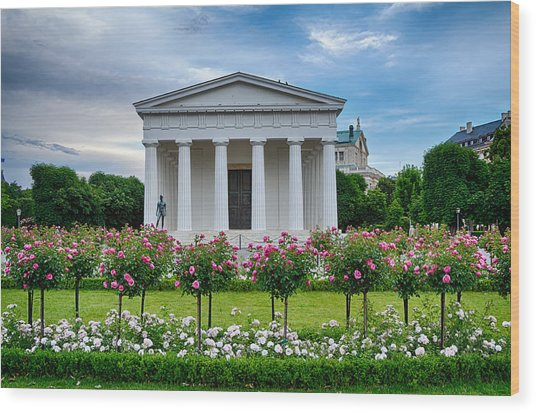 Theseus Temple In Roses Wood Print by Viacheslav Savitskiy