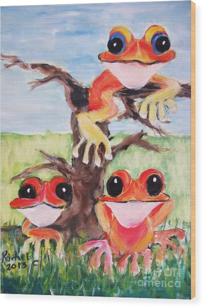 Three Tee Frogs Wood Print