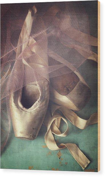Tiptoes Wood Print