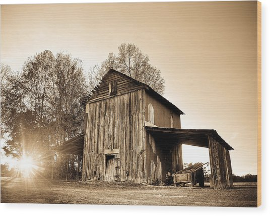 Tobacco Barn In Sunset Wood Print