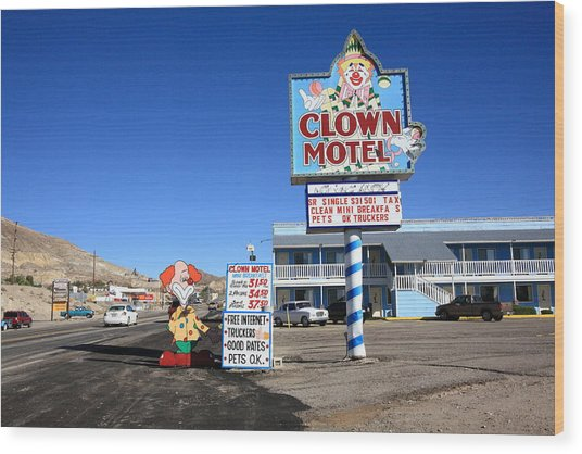 Tonopah Nevada - Clown Motel Wood Print