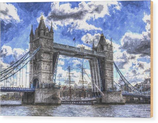 Tower Bridge And Passing Ship Art Wood Print