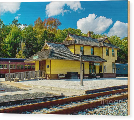 Train Station In Tuckahoe Wood Print