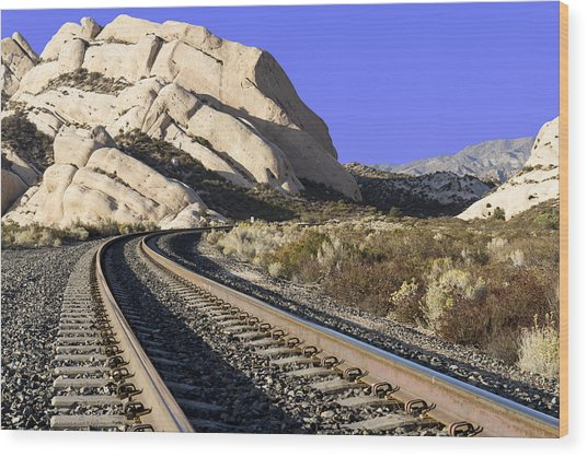 Railroad Tracks At The Mormon Rocks Wood Print