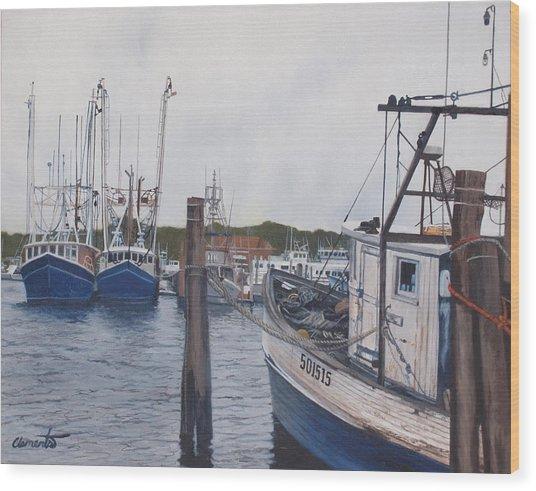 Trawlers At Gosman's Dock Montauk Wood Print
