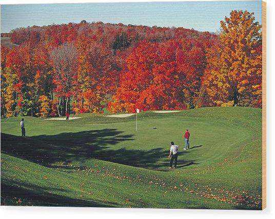 Treetops Golf Wood Print